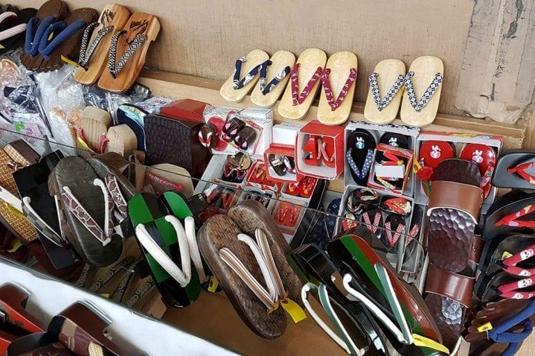 Zapatos especiales y su uso japonés