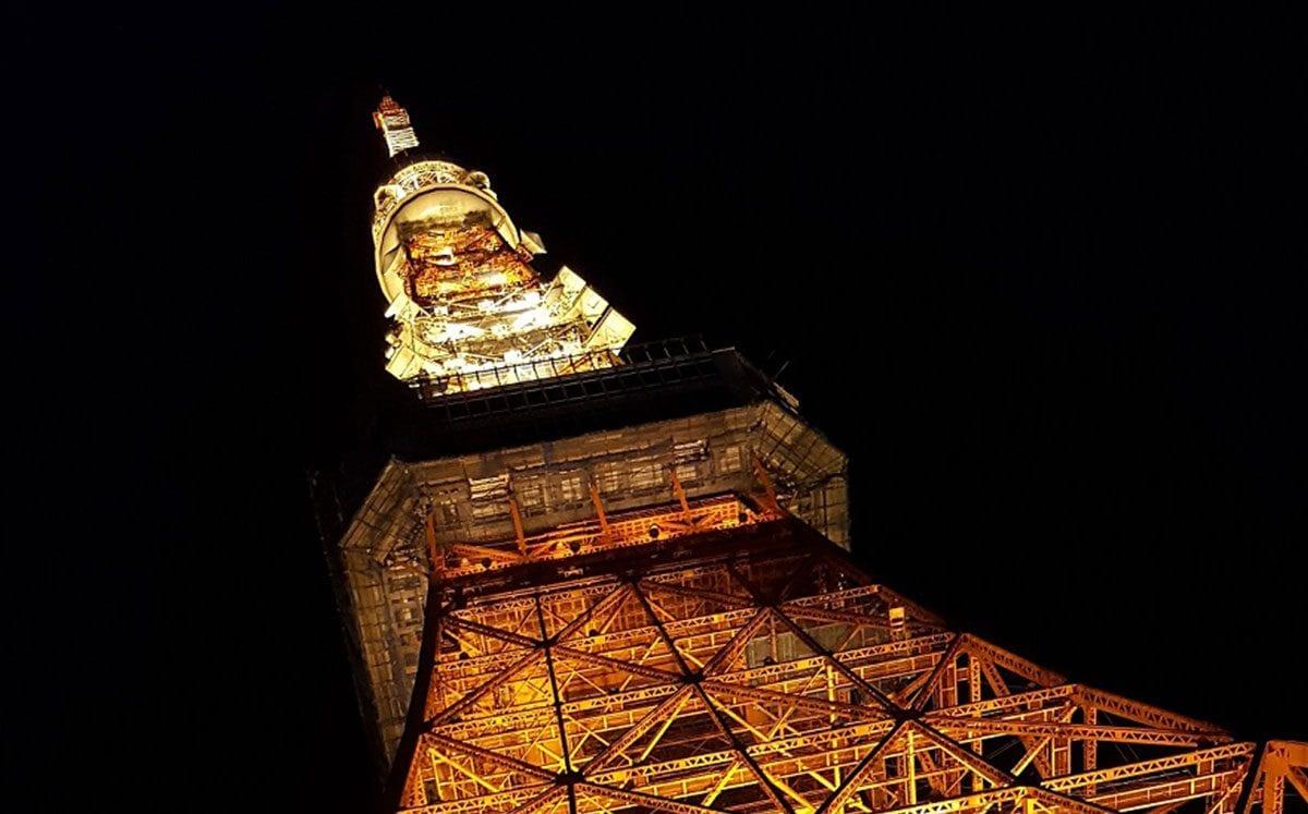 La Torre Eiffel Nipona
