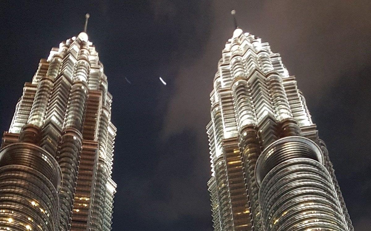 Contemplar las Torres Petronas