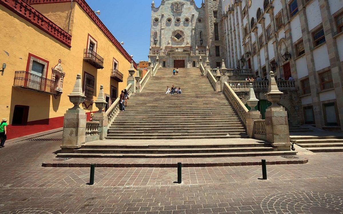 Visita la única y emblemática Universidad de Guanajuato