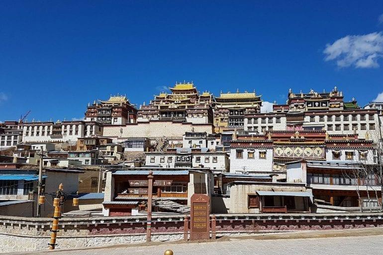 Monasterio Songzanlin…  O de Ganden Sumtseling Gompa