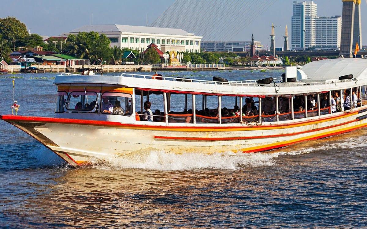 Barcos como servicio de transporte público