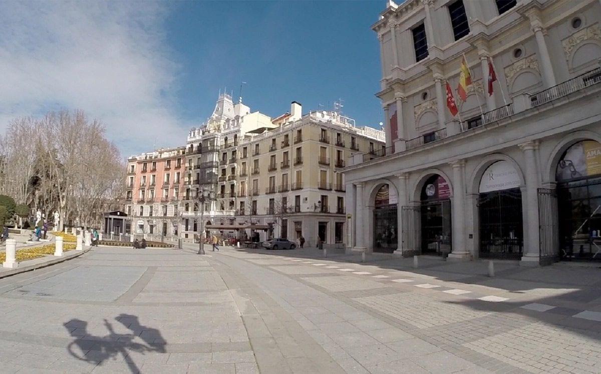a Plaza de Oriente… mejor conocida como La Plaza del Palacio Real de Madrid