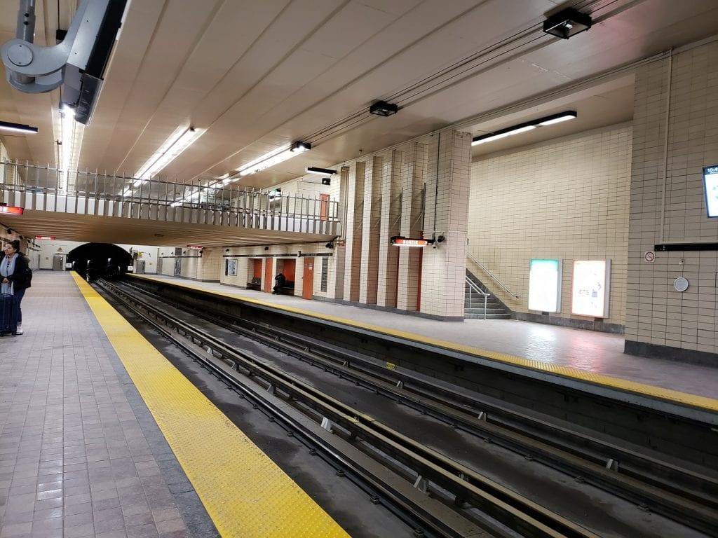 Underground City – RÉSO… Montreal subterráneo