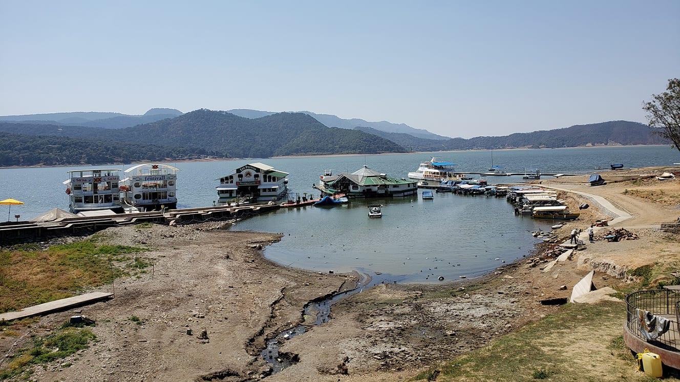 Embarcadero del lago vallesano… y sus alrededores
