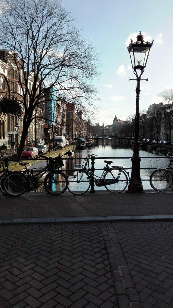 Cómo moverse en Ámsterdam… la ciudad de las bicicletas
